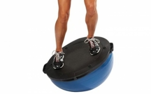 Exercises against pain in the knee with exercising tool